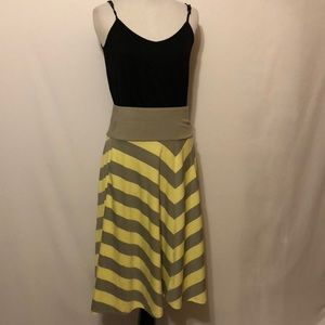 Old navy yellow and gray knit skirt size small